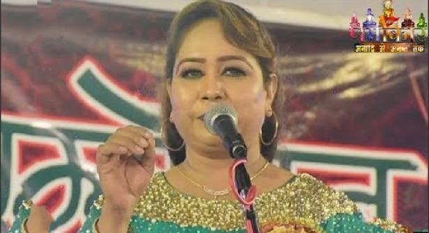 हिंदी मंच पर उर्दू शायरी ने बवाल मचा दिया