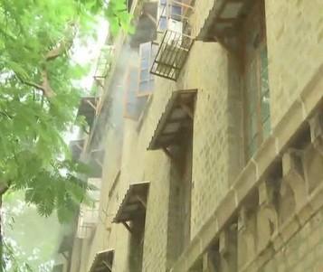 Breaking: रिया ड्रग्स केस की जांच कर रही NCB दफ्तर में लगी आग